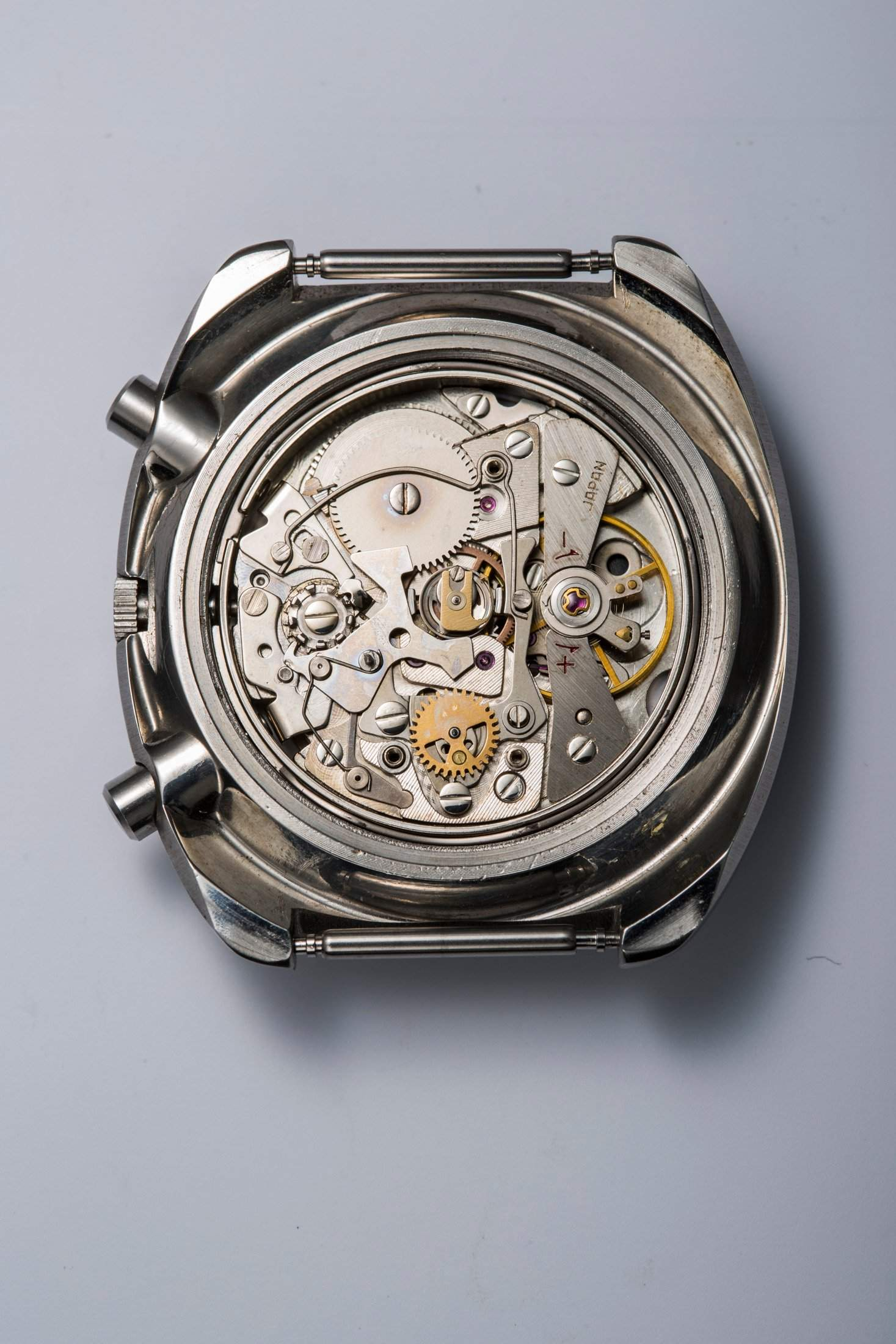 The Seiko caliber 6139 (without a rotor): This movement was developed using a base caliber from the 61 series.
