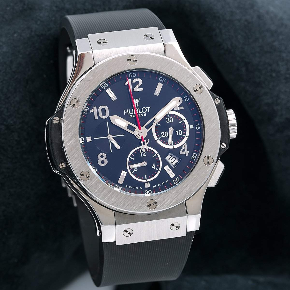 Hublot Big Bang ref. 301.SX.130.RX with a stainless steel bezel