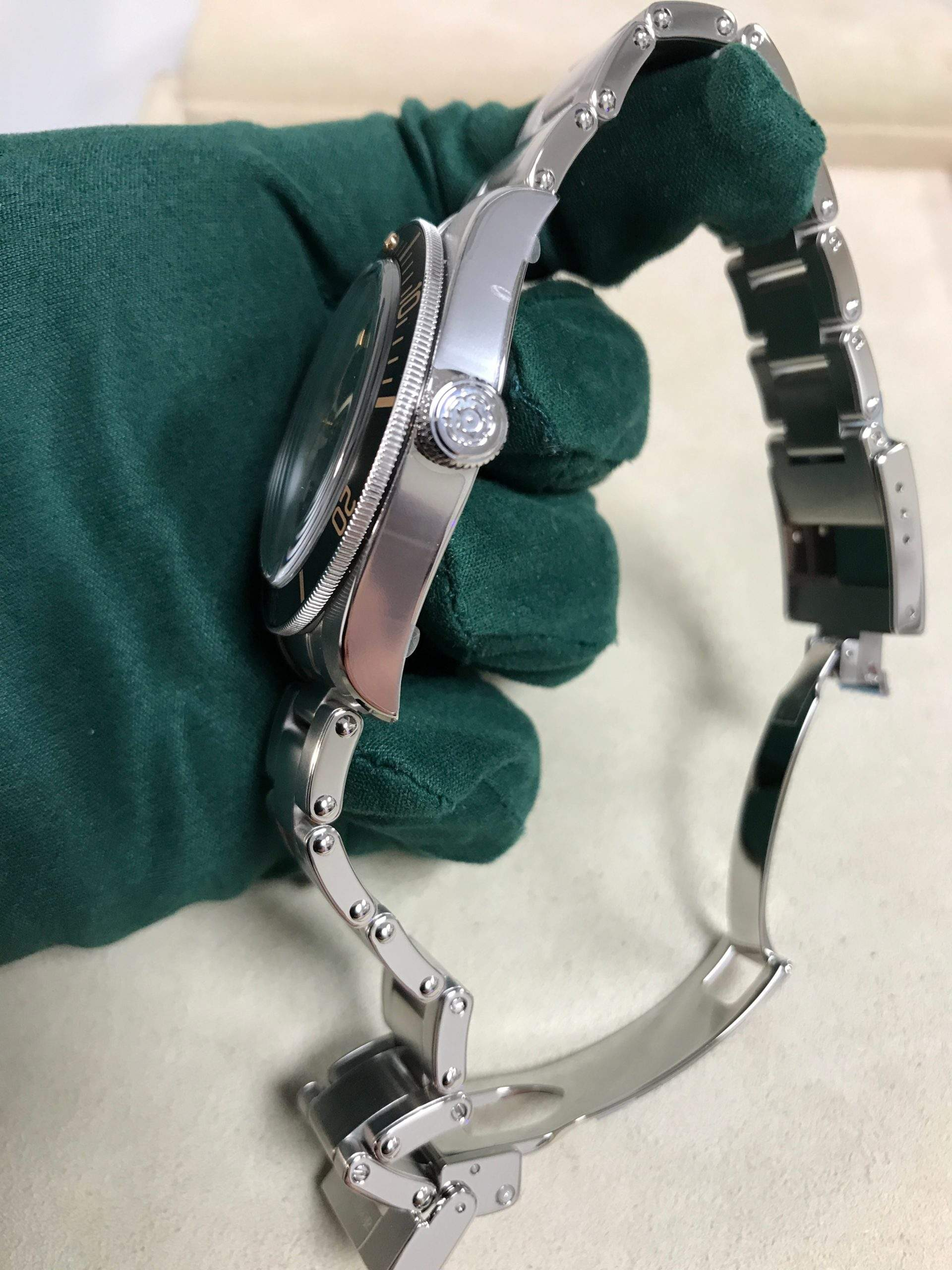 Black Bay fans have been waiting for a quick-adjustment clasp.