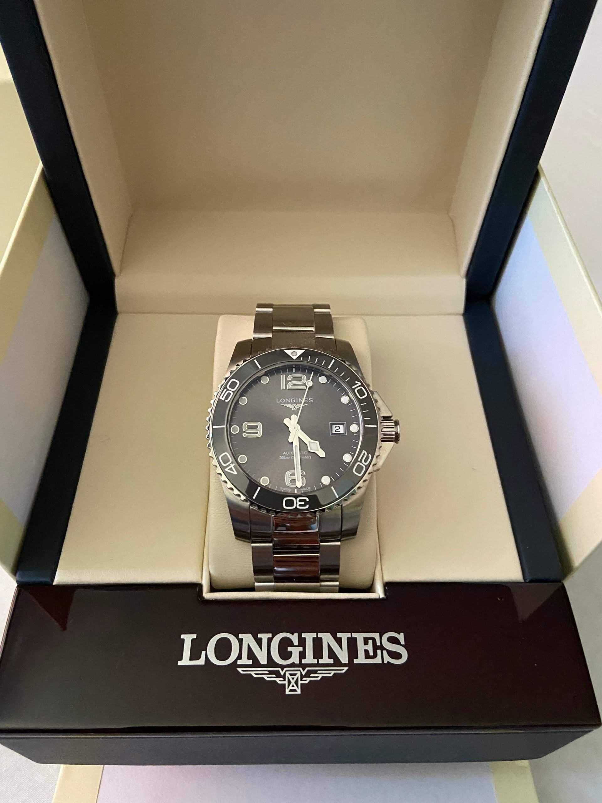 An affordable, iconic diving watch with a proven design: the Longines HydroConquest