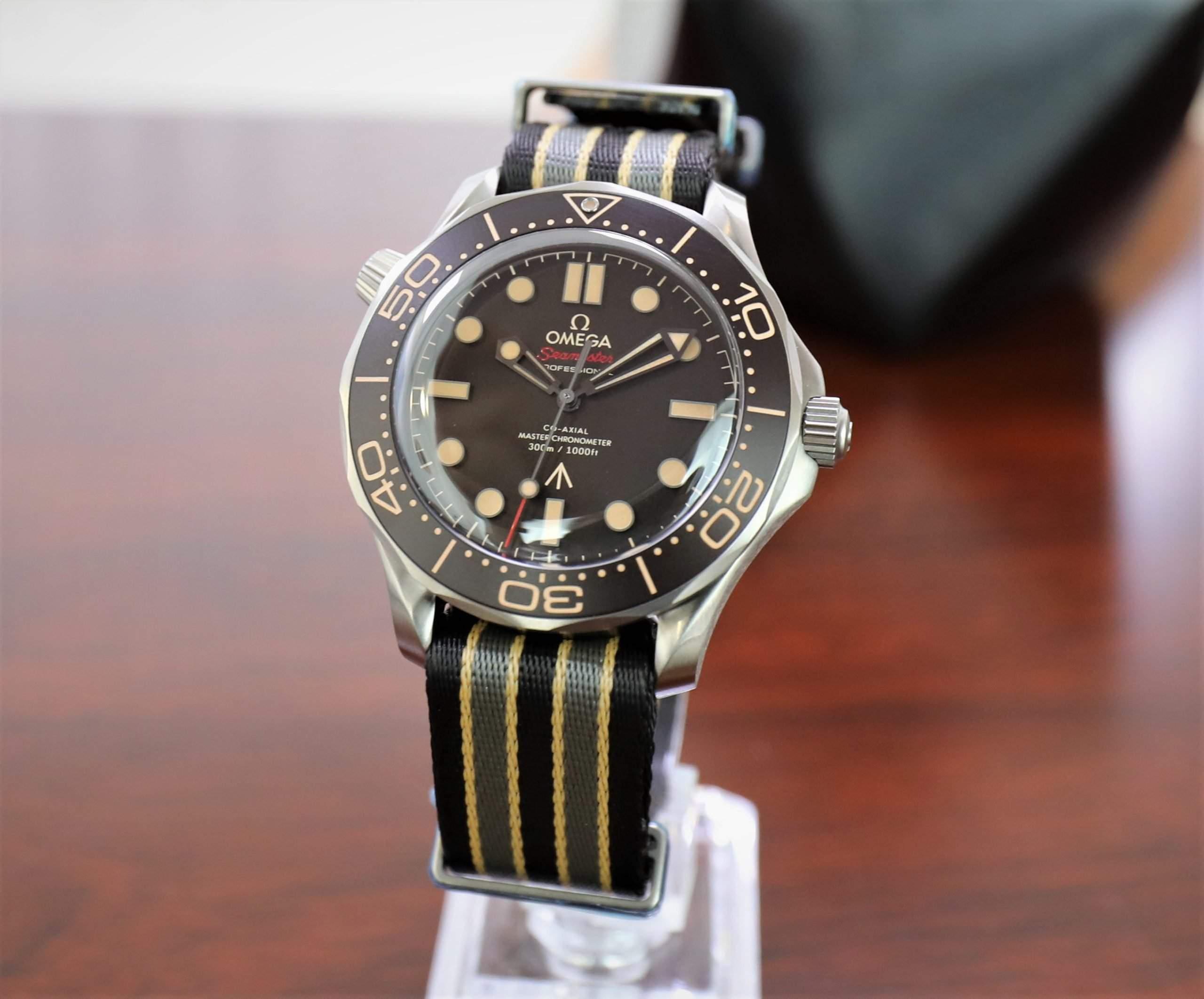 手表适合秘密代理:007版OMEGA Seamaster Diver 300M